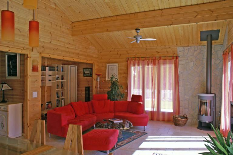 Log_House_Switzerland_Saillon_5.jpg