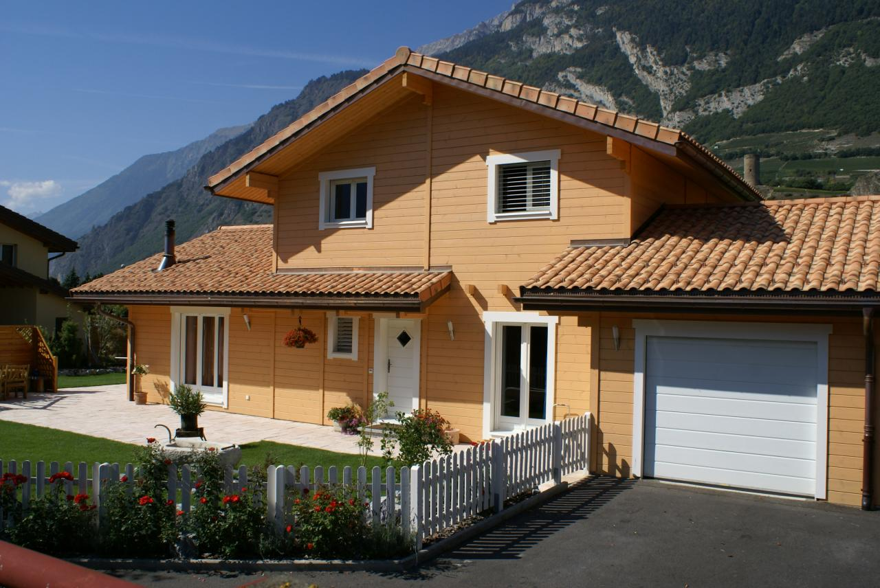 Artichouse saillon switzerland for Swiss homes