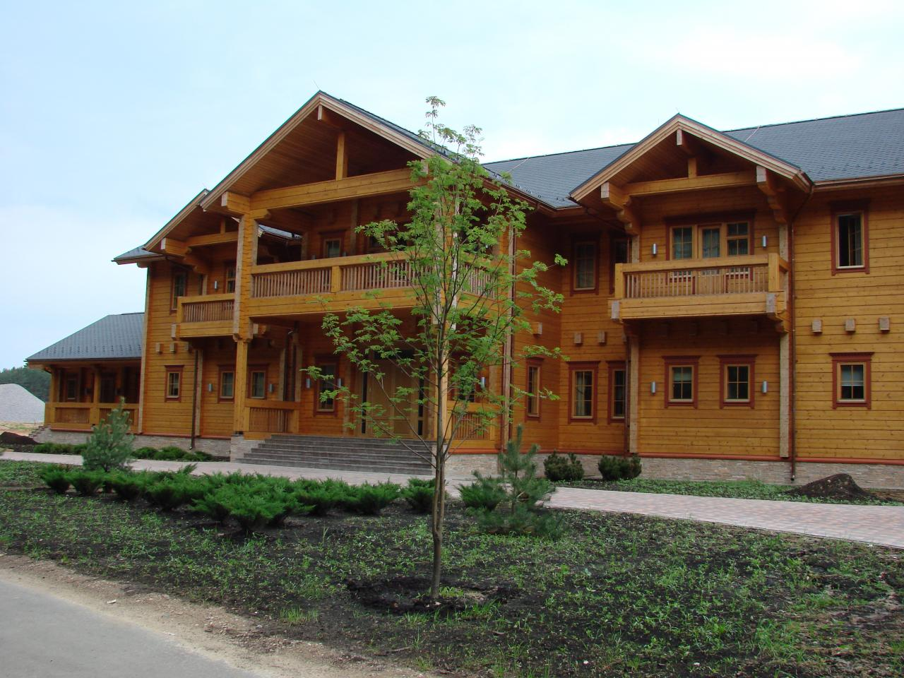 Artichouse the patriot for Luxury log home builders